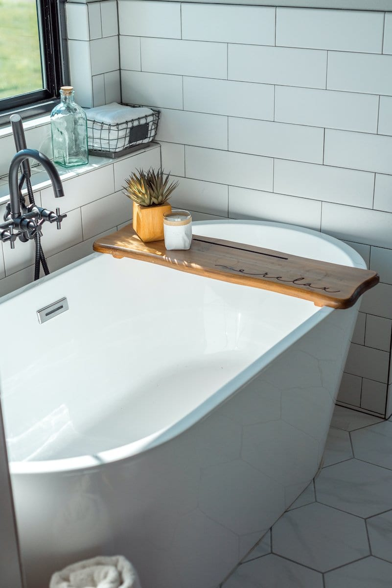 Modern Farmhouse Bathroom Design Inspiration